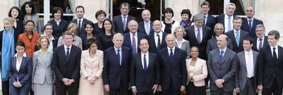 Le gouvernement Ayrault en ordre de bataille : premiers actes dans Actu gouv